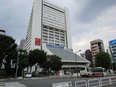 中野サンプラザ コンサートや試写会で何回か来た懐かしい建物です。