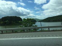 テネシー川沿いをドライブ