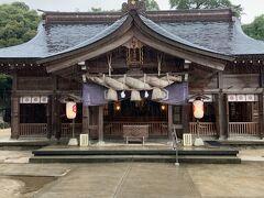 途中で八重垣神社に寄り道。 松江に向かう途中で渋滞を回避した時に、標識が出ていたので何となく寄りました(^_^;) 鏡の池で占いするのが有名なところですね。 気ままに行き当たりばったりなので、予定を変えて寄れるのが良いところですね(^-^)