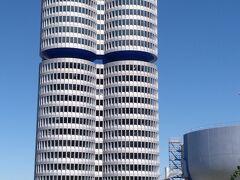 ミュンヘンに移って、BMW博物館にも行きました。