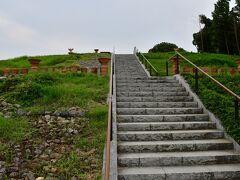 恵解山古墳 勝竜寺城公園から600メートル南下した場所にある。
