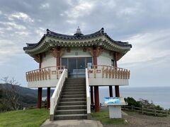 入り口から韓国に来たかのような風景が続く。 友人と異国だねーと言い合う。 天気が良いと50キロ先の釜山が見えるというこの展望所