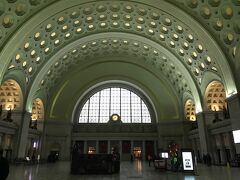 10分ちょいで到着。相変わらず綺麗な駅。