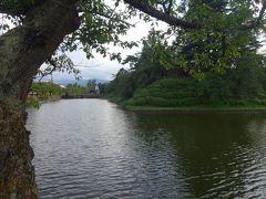 さて、山形市を南下して、到着したのは米沢市。  このお城は伊達氏17代独眼竜政宗がこの城で生まれたことでも有名です。  慶長3年より上杉氏領となるが、初めは上杉景勝公の重臣直江兼続が城主となり、慶長6年(1601)上杉景勝公が城主となりました。  明治6年には廃藩置県となり城が取り壊され、明治7年公園として市民に開放されました。