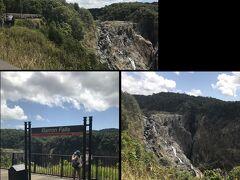 バロン滝では数分間駅に停車するので、各自降りて撮影です。 また列車に乗り、先に進みます。