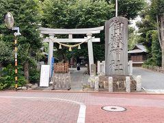 イオンを過ぎると、大きな社号碑があるので御嶽神社だと直ぐに判ります。