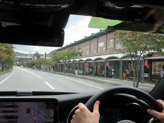 ★1日目★ 高速道路は自動運転でスイスイ(運転は家族)。 関越自動車道→上信越自動車道から碓氷軽井沢ICで降ります。  軽井沢プリンスショッピングプラザの横を通ってお山(碓氷峠)に行くの。