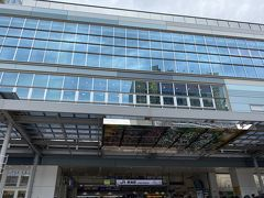 私と友人: AM10:00 熱海駅合流 LINE漫画を読んでたら熱海駅到着!!長かったけど最近このルートで静岡に旅行に来てるので慣れました。。。。ここで友人と合流して2人旅のスタート。コロナの影響で半年ぶりの再開。