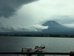 河口湖と富士山。