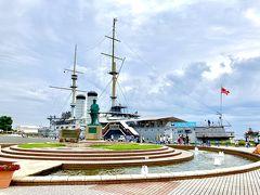 ここには、日露戦争の時に活躍した戦艦「三笠」が展示してあります。 記念艦内は600円で見学可能。利用しませんでしたが、案内ツアーもあるようです。