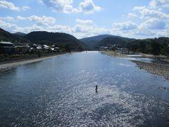 宇治川の風景です。  同じ京都の嵐山に似た雰囲気です。