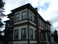 二軒目の洋風建築は、東奥義塾外人教師館を訪れます。