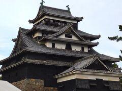 お城の近くまで来ました。