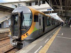 ちょうど2時間半で松山駅に到着。 普段特急列車なんて乗らないんで久々楽しい時間が過ごせました。