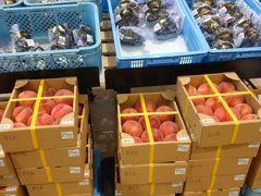少々時間が余ったので、コラッセの物産館へ。桃の茶箱が1000円で山積みされてましたが、やや傷みが目立つ感じでした。
