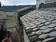鮎川に残された、数少ない雄勝スレート葺きの屋根。