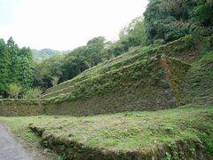 15分程度進み、脇道に入ると清水谷製錬所跡が。