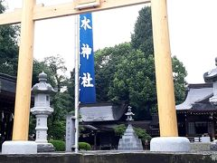 「出水(いずみ)神社」が隣接してます。