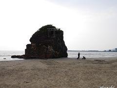 出雲大社の御神体は稲佐の浜のある西の方角を向いて鎮座されてるそうなので、行かねばなりませんね  ※少しですが駐車場有(トイレ有)