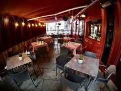 【Restaurante Los Galayos】  「Los Galayos:ロス・ガラージョス」の名前は、「Galayos」山脈という有名な山からとったんだとか...