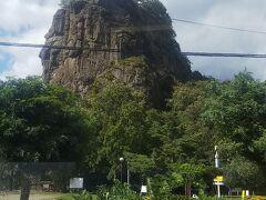 瞰望岩が見えると遠軽駅が近づきます。