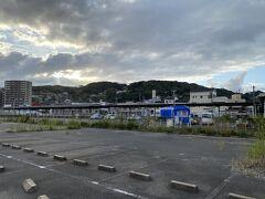 かつては複数あったいまの若松駅のホームは、いまは1つだけ。