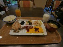 今回利用した「出雲ロイヤルホテル」の朝食。内容はまずまず。駅からちょっと遠かったですが、安く利用できました。