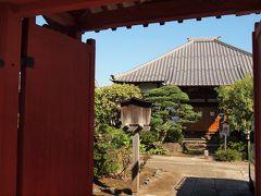 蓮華寺 延寿寺の向かいにある日蓮宗のお寺です。春には牡丹が咲き誇ったり、夏には蓮の花が咲いたりと、いつ拝見してもきれいなお花が咲いているお寺です。
