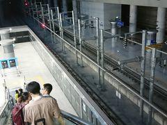 5時くらいに仁川空港に着き、AREX(空港鉄道)に乗ってソウル駅まで向かいました。十分な睡眠がとれてないのでとても眠いです。