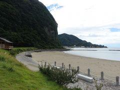 クリスタルビーチ。西伊豆では珍しい砂浜の海岸です。