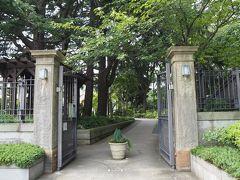 エリスマン邸を見学した後は、すぐ向かいにあるベーリックホールへ向かいました。