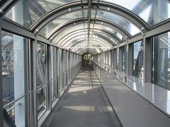バスで京都駅に戻り、伊勢丹の10階から繋がる「SKY WAY 空中径路」へ。 何といってもここは無料です。 結構穴場なのに意外とみんな来ないのですよね。