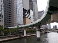 堂島川を見渡せます