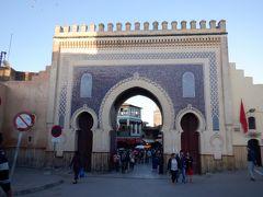 フェズ旧市街の入り口の門 イスラムの国っぽい