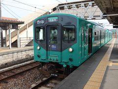粟生駅到着。北条鉄道は短い接続時間、同一ホーム、反対側から・・・ 写真? 撮っているヒマはありません!