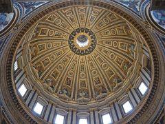 天井部の構造も模様も実に美しです。