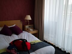 まぁこんなもんかーとなって宿に行きます。 AreaOneさんの1人部屋。 そこそこ広い。