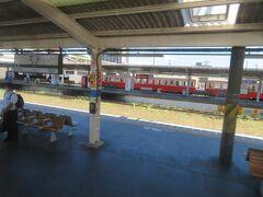 五井駅では小湊鉄道のディーゼルカー。