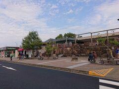 途中、恵那峡SAで休憩タイム。かなりの人出でした。 goto効果などあって、遠出する人が増えてきたのかな。
