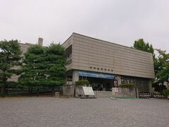 松本市立博物館へ。松本城入場券700円でこちらの施設にも入ることが出来ます。えっと…過去に入った記憶がないかも。折角だから入ってみましょか。