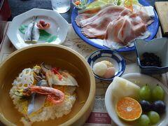 岡山名物祭り寿司に瀬戸内産ままかりの酢漬けや吉備団子がでました。