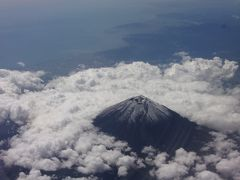 福岡線は富士山を左側に眺めて航行します。