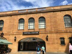 シドニー中央駅へ。