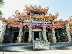 龍虎塔の向かいにあるのは慈濟宮。保生大帝を主神としてお祀りする、1719年創建の道教寺院。
