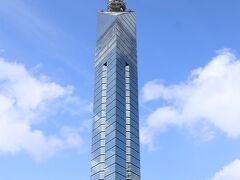 福岡タワーはガラス張りでキラキラ 博多の象徴としてそびえ立ちます