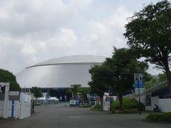 西武球場の前を通ります。 この日も試合があるようでした。