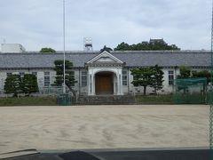 上野高校校舎