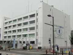 厚木市役所本庁舎はコンパクトな作りで、きひしまった精鋭による行政運営がなされている象徴であれば非常に良い。