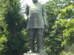 早速奥さんと合流して市内観光。まずは、城山公園で西郷隆盛の銅像