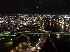 ホテルの最上階の『Befcoばかうけ展望室』からの夜景
